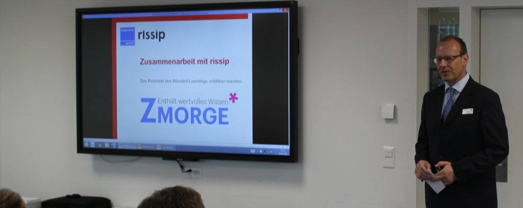Netzwerk ZMORGE: Thomas Kenel von der Klubschule Migros Luzern präsentiert den ersten Netzwerkanlass mit Partner rissip: ZMORGE
