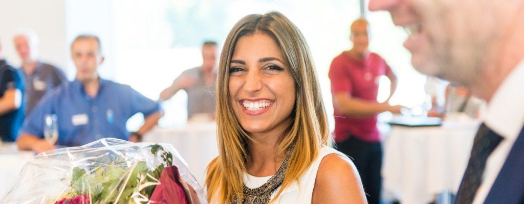 Sonja Afonso, 250'000 ECDL Kandidatin- Uebergabe im Verkehrshaus Luzern durch den Direktor von Avenir Suisse