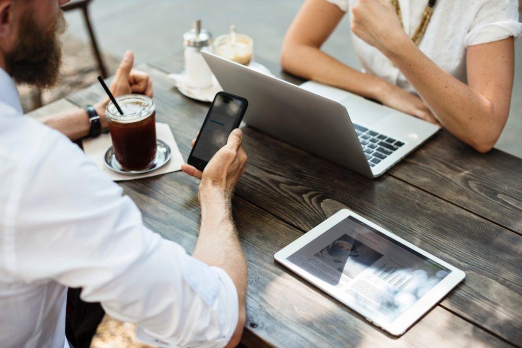 Online-Sprachkurse und gemeinsames Lernen